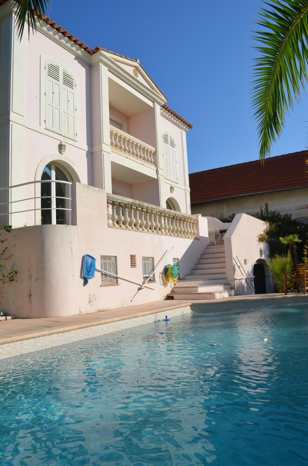 Location de vacances Villa Hyères (83400)